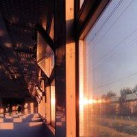 Поезд прибывает на платформу :: Ксения Михайленко