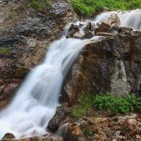 Шагацикомдон, небольшой водопад в Цее :: Наталья Федорова