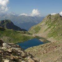 Озеро в горах ... :: Андрей Любимов