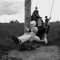 Качели(Жизнь коротка...) :: Валерий Молоток