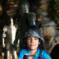 Юный рыцарь за столом короля Артура :: Татьяна Манн