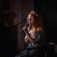 Она пела собой. :: Снежа Буланенко