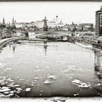 С Патриаршего моста.... :: Юрий Яньков