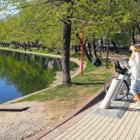 покататься на велосипеде,легко :: Олег Лукьянов
