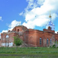 Церковь на рестоврации :: Мадина Скоморохова