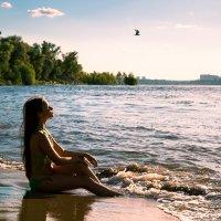 закат у речного берега :: Ольга Кучаева