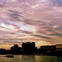 Закат над Москвой-рекой :: Виктория Нефедова
