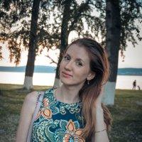 Юля :: Лариса Тарасова