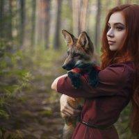 Девушка и лис :: Елена Пахомычева