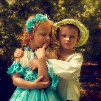 дети в лесу... :: Светлана Мизик