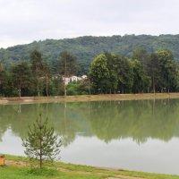 Озеро с другого ракурса :: Любовь ***