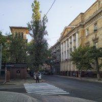 Раннее утро в июле на Канатной. :: Вахтанг Хантадзе