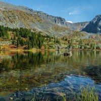 Здесь в горных озёрах не видно воды... :: Андрей Поляков