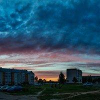 В буйных красках купол небо :: Анатолий Клепешнёв