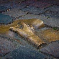Амстердам.Памятник погибшим жрицам любви :: Александр