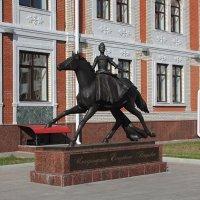 Памятник Елизавете Петровне. Йошкар-Ола :: MILAV V