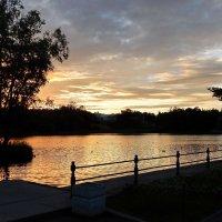 Закат на Большом озере :: Елена Гуляева (mashagulena)