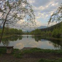 У озера :: Роман Савоцкий
