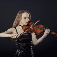 Crying blizzard as a gypsy violin :: Михаил Крюков