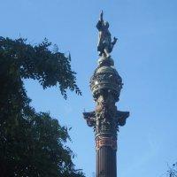 Барселона. Памятник Христофору Колумбу :: татьяна