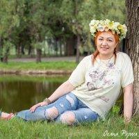 Женщина в венке из мальв :: Оксана Попова