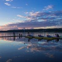 Вечер на озере Сенеж :: Людмила Быстрова