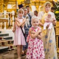 Дети в храме :: Олег Лунин