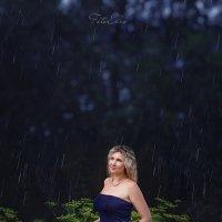 Под дождем. :: Эльвира Запорощенко