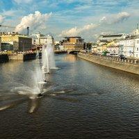 Фонтаны в реке :: Tatiana Poliakova