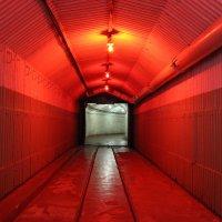 Вход в ядерное хранилище :: Вячеслав Случившийся