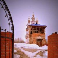 Храм Иоанна Богослова в Карпинске. :: Лариса Красноперова