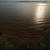 Стою у обрыва на волны гляжу... :: Александр Попов