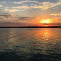 Каждый закат красив по-своему. :: Anna Gornostayeva