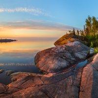 Гранитный пляж Ладоги :: Фёдор. Лашков