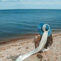 Девушка и море :: виктория иванова