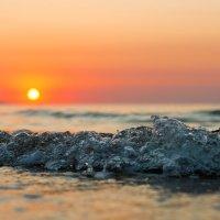 Закат на море :: Дмитрий Звонарев