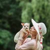 Дама с собачкой :: Людмила Шелест