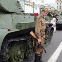 Экспозиция - парад боевой техники времен ВОВ :: Виктор Егорович