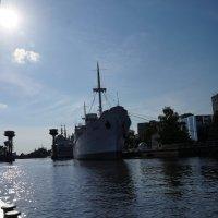Как провожают пароходы... :: Ирина Шурлапова