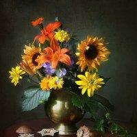 Натюрморт с цветами и ракушками :: lady-viola2014 -
