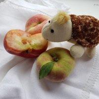 Инжирные персики. :: Anna Gornostayeva
