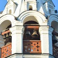 Деталь храма Благовещения Пресвятой Богородицы - звонница :: Александр Буянов
