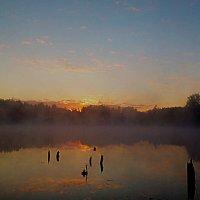 раннее утро на озере... :: александр дмитриев