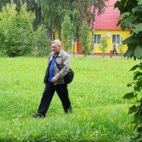 Фотограф на прогулке... :: Александр Широнин