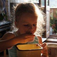 Ой вкусна,ягодка-малинка! :: Елизавета Успенская
