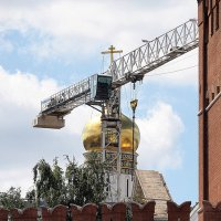 освещённые строители :: Олег Лукьянов