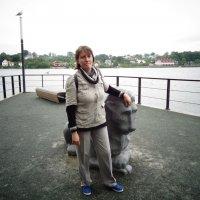 Портрет подруги Ольги на набережной города Нарва. :: Светлана Калмыкова