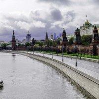 Безлюдная Москва :: Tatiana Poliakova