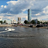Летом в Екатеринбурге :: Leonid Rutov