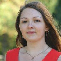 Девушка в красном :: Светлана Т